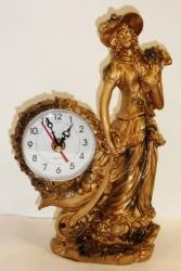 Часы каминные. Высота 24 см.
