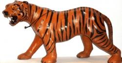 "Статуэтка, обтянутая кожей буйвола,""Тигр"". Размер 30см."