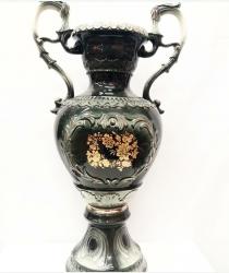 Фарфоровая ваза. Высота 67 см.